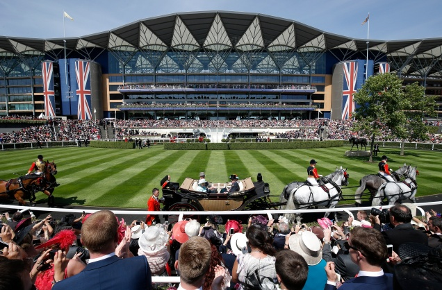 Royal Ascot 4 - Parade ring.jpg