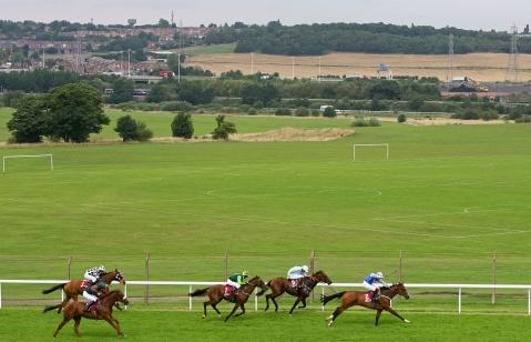 Pontefract races 2.jpg